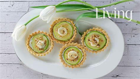 Tartë me mollë dhe fruta të thata - Ëmbëlsira