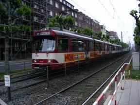 Rheinbahn Düsseldorf Hbf : eine doppeltraktion aus duewag stadtbahnwagen gt8su der rheinbahn auf der luegallee in ~ Orissabook.com Haus und Dekorationen