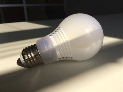crave giveaway 12 cree led light bulbs with incandescent