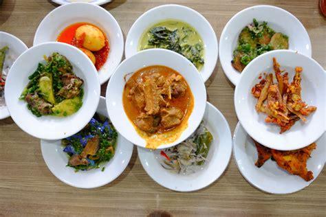 Inilah tempatnya segala resep masakan enak! 3 Resep Makanan yang Paling Laku Dicari Selama Bulan Ramadan - Tandaseru.id