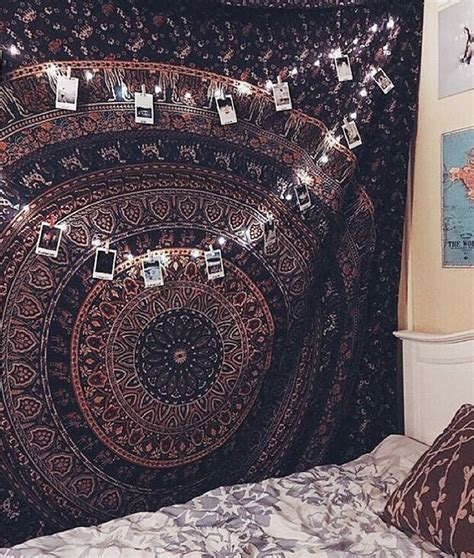Bedroom Tapestry Uo by Best 25 Tapestry Bedroom Ideas On