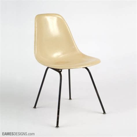 chaise daw charles eames chaise charles eams eames daw armchair luxury chaise