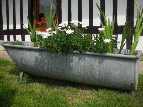 baignoire en zinc transform 233 e en jardini 232 re baignoire jardini 232 re