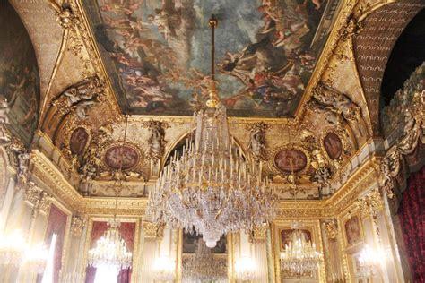 exploring  louvre museum  paris simply sinova