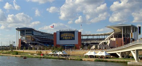 Family Boating Center South Ta by The 10 Best College Football Towns For Boating Boat