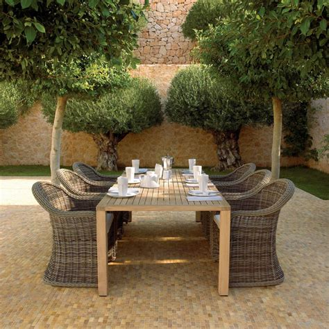 Outdoor Dining Furniture Ideas by 55 Patio Bars Outdoor Dining Rooms Hgtv