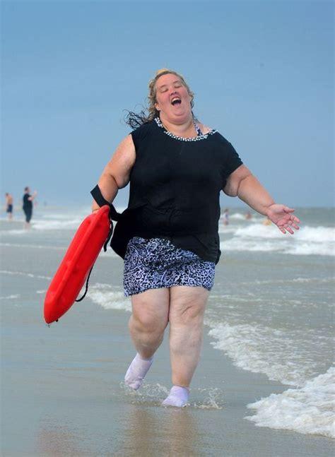 mama june   baywatch slow motion beach run