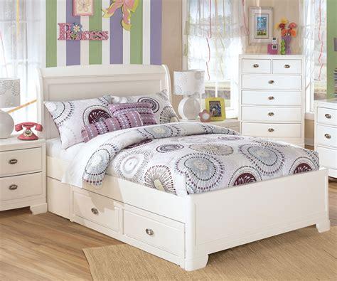 Ashley Furniture Bedroom Set With Alyn Full Size Platform