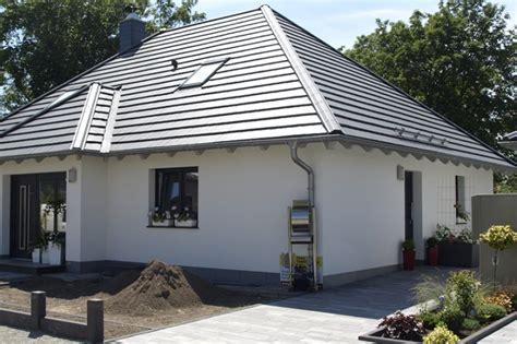 Bungalow Mit Dachgeschoss by Bungalow Mit Ausbaureserve Im Dachgeschoss