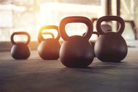 kettlebell form fitness training swings gym workout mistakes common correctly stack swing reasons should why night personal equipment perform avoiding