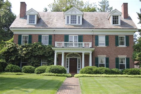 Colonial Home : Georgian Colonial Revival Houses Are A Symmetrical Beauty