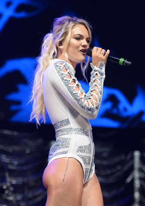 louisa johnson key     manchester arena uk