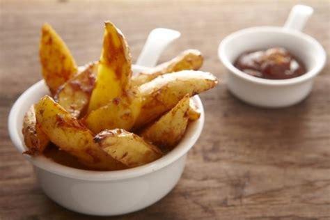cuisine americaine recette recette de potatoes maison et sauce américaine barbecue