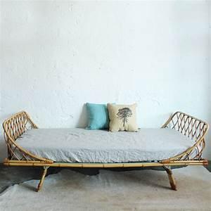 Lit Chez But : ides de tete de lit rotin blanc galerie dimages ~ Teatrodelosmanantiales.com Idées de Décoration