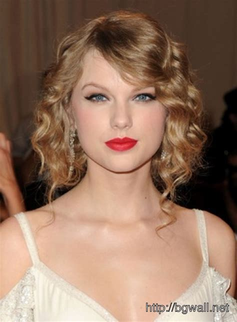 Retro Hairstyle Ideas For Short Curly Hair