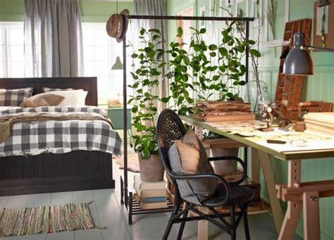 plantes dépolluantes chambre à coucher 1000 idées sur le thème tringle vetement sur