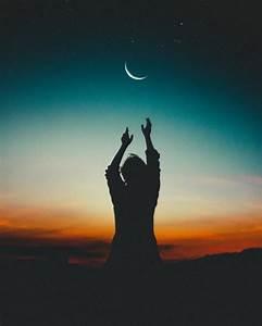 月光下的人影图片 第6张 尺寸:2430x3037 (天堂图片网)