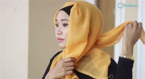 jarum pentul kepala kecil tutorial cara memakai jilbab segi empat modern