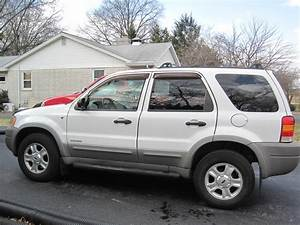 2002 Ford Escape - Overview