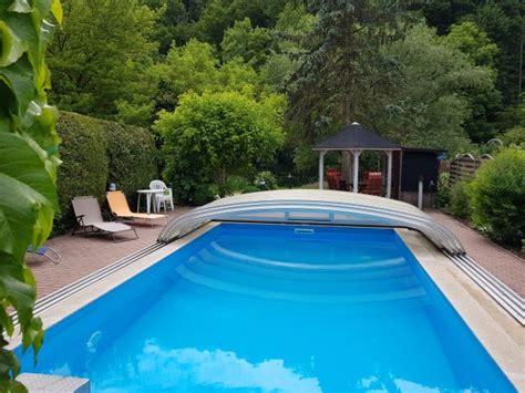 Whirlpool Garten Aus Polen by Ferienhaus Mit Pool Whirlpool Gr Garten Mit Zaun