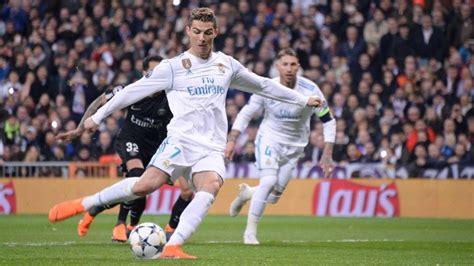 Cristiano Ronaldo Narrte Paris Mit Verbotenem Elfmetertrick