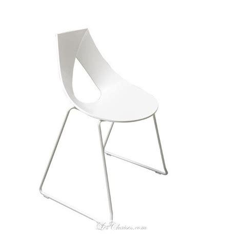 chaises blanches design chaise blanche design nastro chaises noir wengue