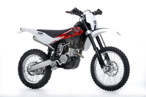 Review Husqvarna Te 250 by 2013 Husqvarna Te 250r Review Top Speed