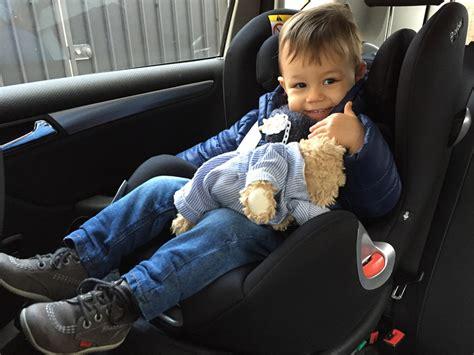 voiture pour 3 sieges bebe j 39 ai enfin mis le siège bébé à la route poulette