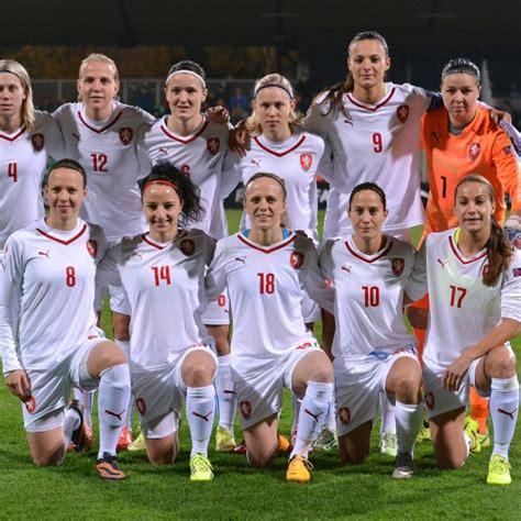 Ženy Míří Na Kypr  Ženy Fotbalcz