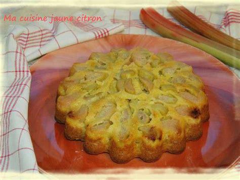 cuisine rhubarbe recettes de gâteau à la rhubarbe de ma cuisine jaune citron