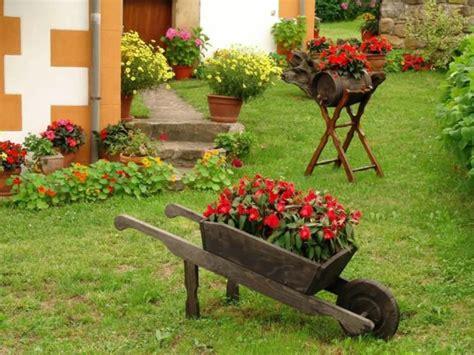jardines rusticos ideas  elementos decorativos