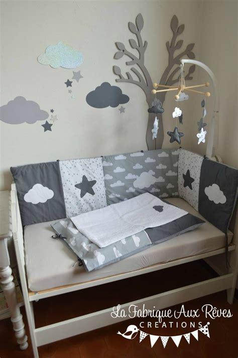 déco chambre bébé et gris linge lit bébé et décoration chambre bébé nuages et