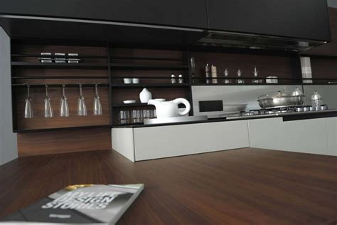 Phoenix Kitchen (Expo Offer)   Poliform   Tomassini