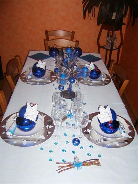 cuisine recettes table en bleu et argent photo de de la table