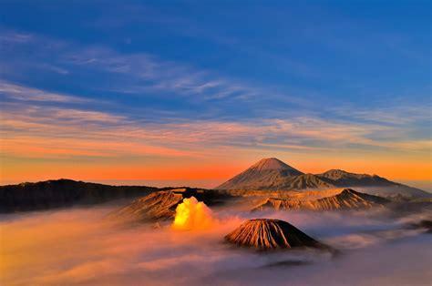 keindahan gunung bromo  wisata indah  sekitarnya