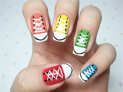 Nail Art Tutorial : This Sneakers Nail Art Is The Cutest Thing Ever