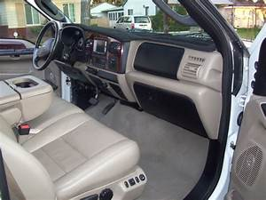 2006 Ford F350 Crew Cab Fx4 Lb White Lariat Lifted   6 0