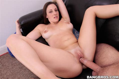 Frisky Melanie Hicks Has Her Mouth And Pussy Probed By