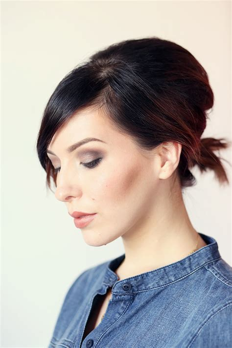 Hair How To: Volumized Ponytail Tutorial For Short Hair