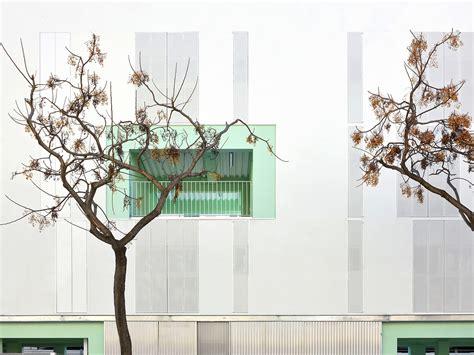Umbau Wohnriegel Bloque Xii In Palma umbau wohnriegel bloque xii in palma sonnenschutz