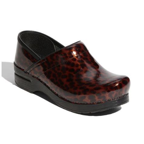 nursing shoes most comfortable 68 best images about cheap dansko professional clogs on