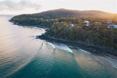 noosa surf   spend  hours  noosa surfer style