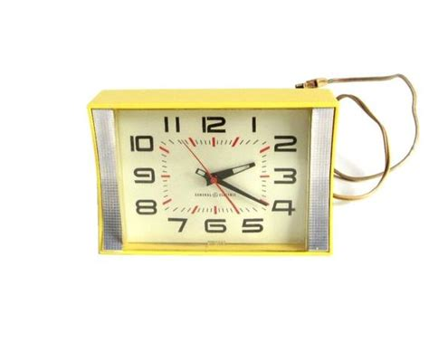 Ge Kitchen Wall Clock Plug In 1960s Bright Yellow 2106 Mid