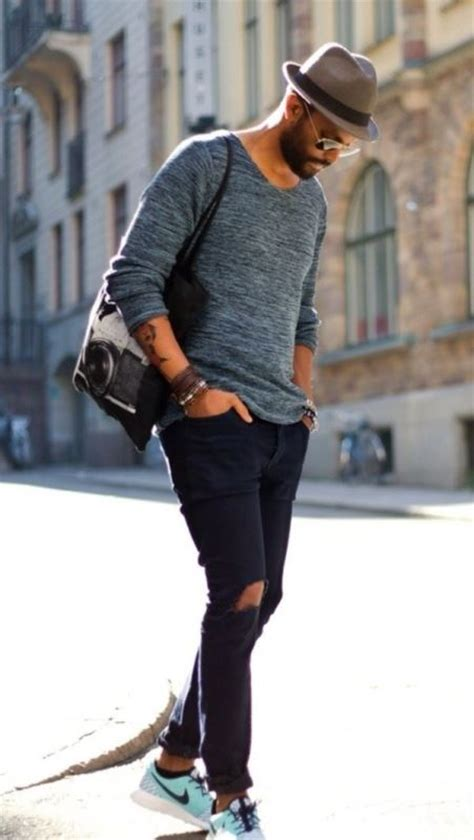 picture  crew neck sweater  black skinny jeans