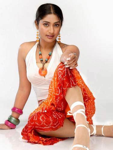 Actress Navya Nair Profile