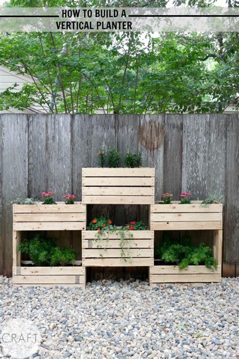 build  vertical planter craft
