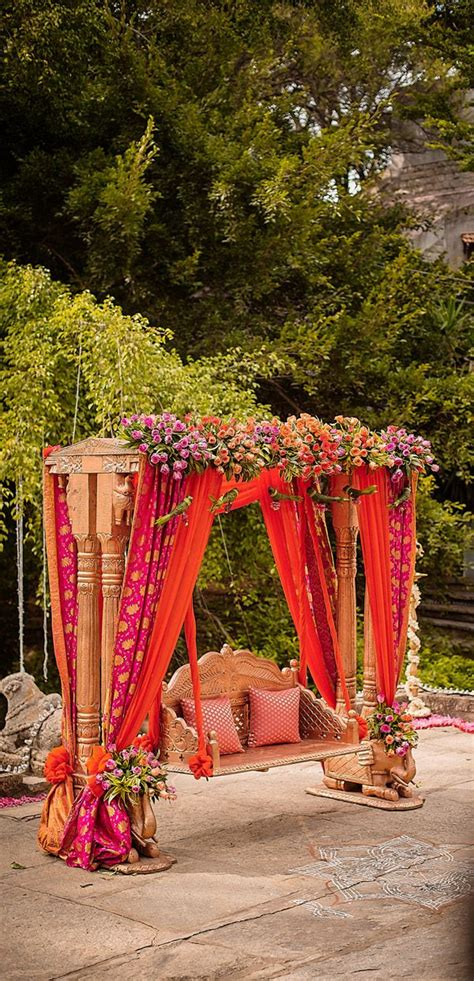 Garden Decoration India by 25 Best Ideas About Indian Wedding Stage On