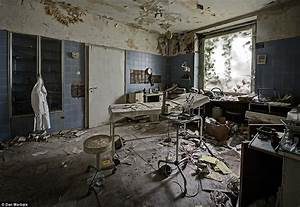 photographer Daniel Marbaix's photos of doctor's deserted