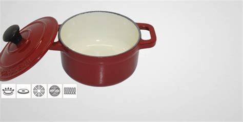 cuisine en cocotte en fonte mini cocotte en fonte chasseur cocotte en fonte chasseur batterie de cuisine la toque d 39 or