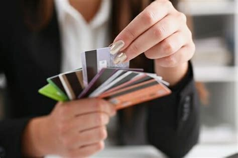 And even if you do have a good credit score, a large number of inquires in a short time span could cause a creditor to decline your application for fear that you're getting in over. How To Choose A New Credit Card Wisely